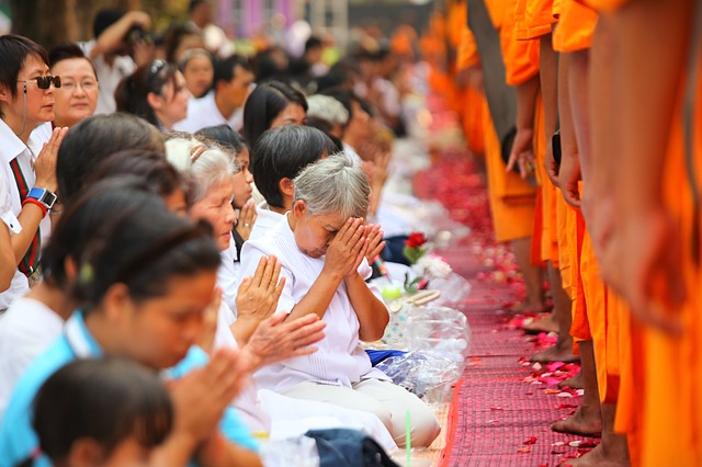 monks-455825_640