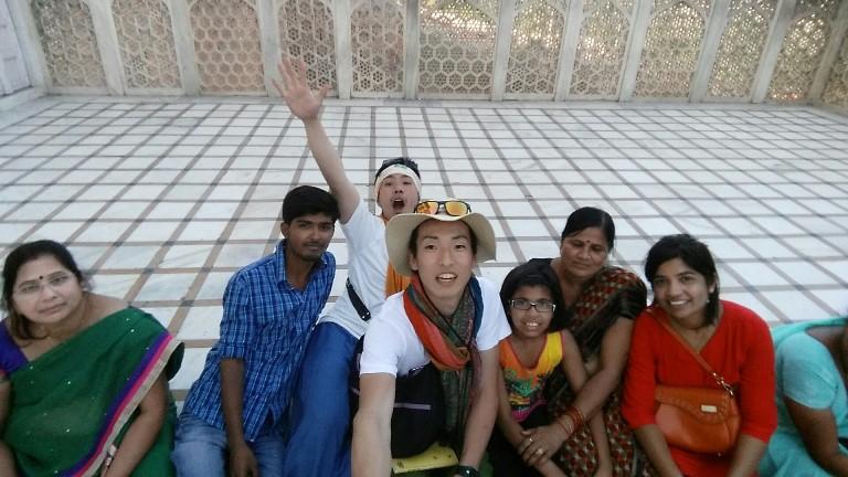 インドの子供達と