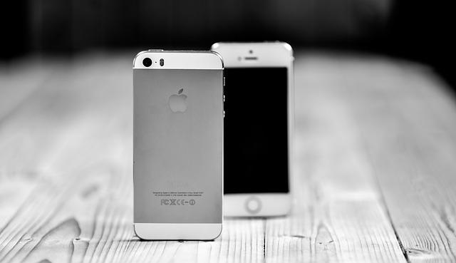 smartphone-601554_640
