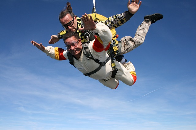 skydiving-721298_640