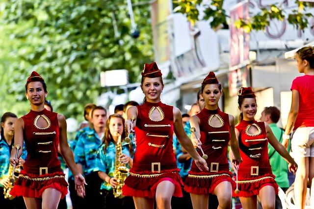 parade-250930_640